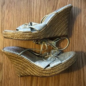 SALE 🦄💕Juicy Couture Woven Sandal Wedges